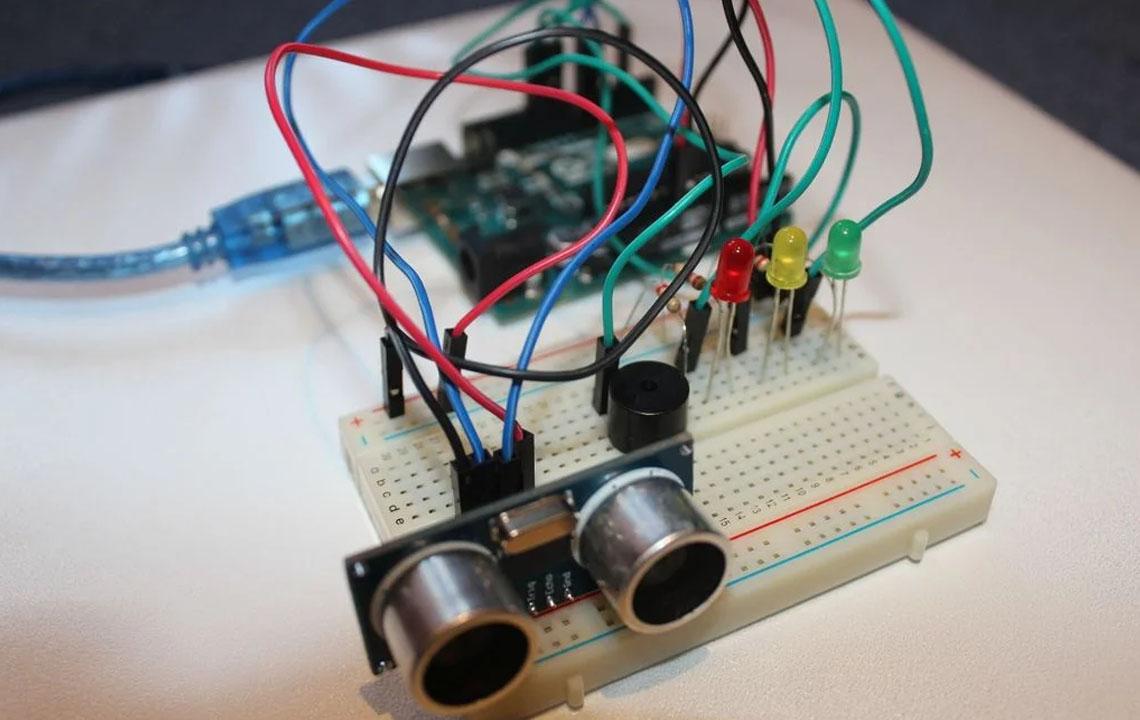 Arduino Sistem Alarm yang Dipersonalisasi